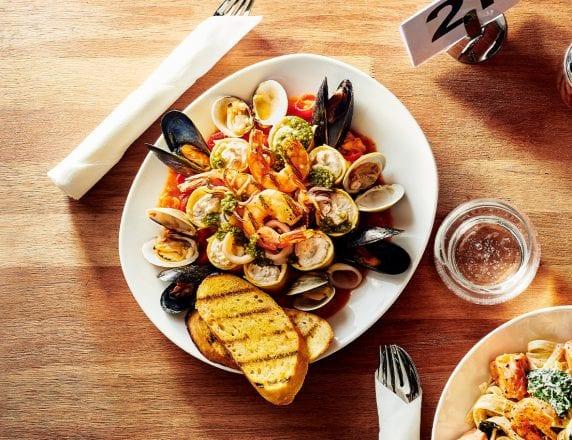 Manicotti di Mare (Cheese Manicotti With Seafood)